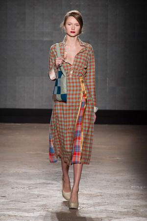 Показ New upcoming designers коллекции сезона Осень-зима 2014-2015 года prêt-à-porter - www.elle.ru - Подиум - фото 581355