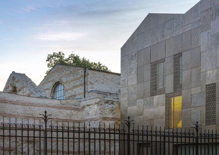 Новый фасад Музея Клюни в Париже (фото 7)
