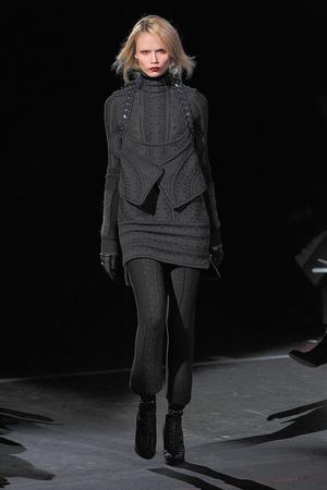 Показ Givenchy коллекции сезона Осень-зима 2010-2011 года Prêt-à-porter - www.elle.ru - Подиум - фото 156191