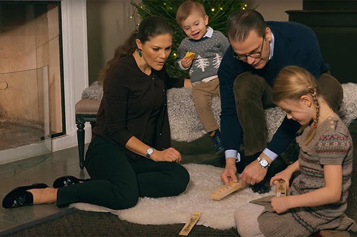 Британия vs. Швеция: рождественские открытки королевских семей (фото 4)