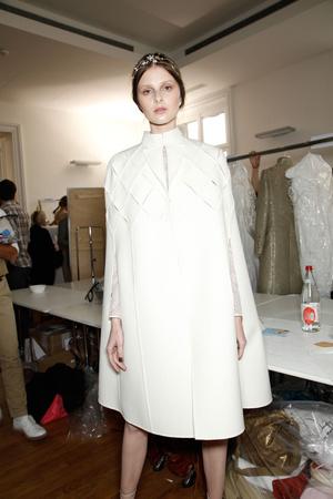 Показ Valentino коллекции сезона Осень-зима 2011-2012 года haute couture - www.elle.ru - Подиум - фото 279012
