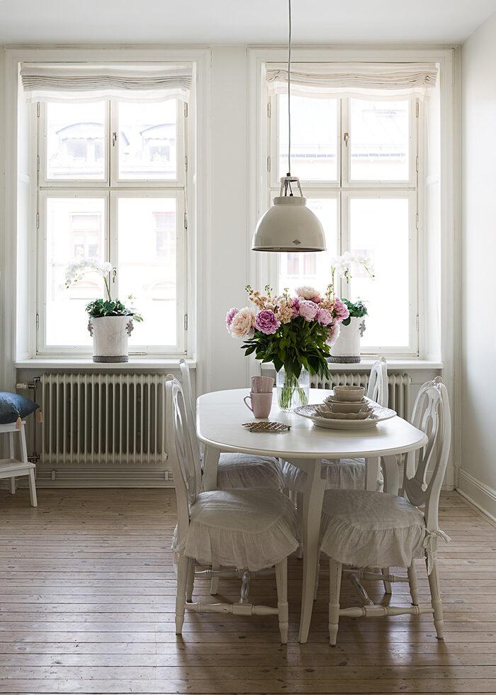 Как правильно выбрать и повесить шторы (фото 31)