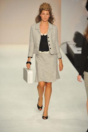 Показы мод Caroline Charles Весна-лето 2009 | Подиум на ELLE - Подиум - фото 3408