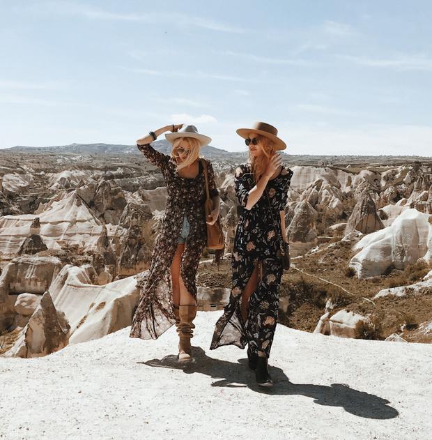 Путешествия Just The Girls: интервью с основательницами Heels On Wheels (фото 1)