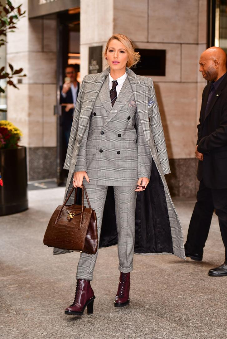 Мелания Трамп или Блейк Лайвли — кому костюм Ralph Lauren идет больше? фото [3]