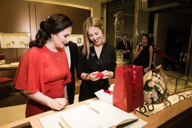 Звезды на открытии бутика Omega в галерее «Времена года»