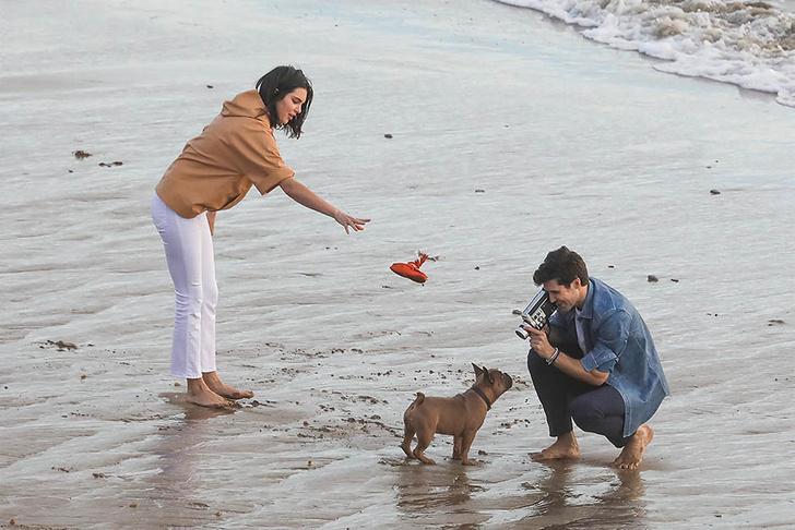 Кино или реальность? Кендалл Дженнер в объятиях незнакомца на пляже фото [4]