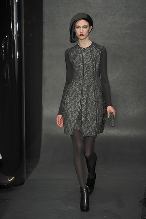 Показ Donna Karan коллекции сезона Осень-зима 2010-2011 года Prêt-à-porter - www.elle.ru - Подиум - фото 145209