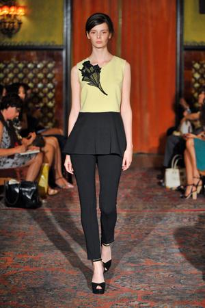 Показы мод Behnaz Sarafpour Весна-лето 2013 | Подиум на ELLE - Подиум - фото 1319