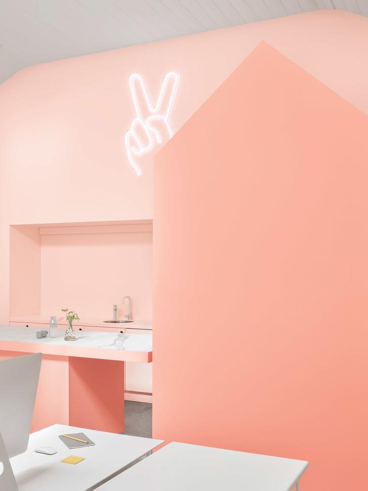 Розовые грезы: яркий офис в Мельбурне (фото 2)