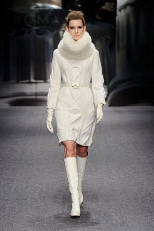 Показ Laura Biagiotti коллекции сезона Осень-зима 2013-2014 года Prêt-à-porter - www.elle.ru - Подиум - фото 524935