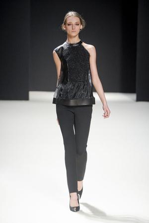 Показы мод Pedro Lourenco Осень-зима 2011-2012 | Подиум на ELLE - Подиум - фото 2155