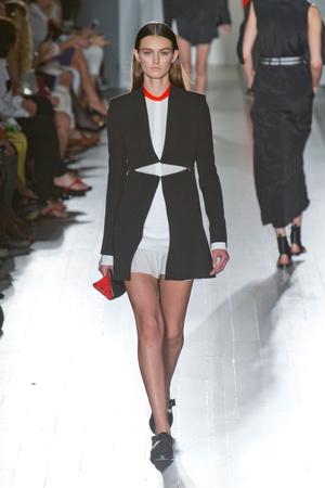 Показы мод Victoria Beckham Весна-лето 2013 | Подиум на ELLE - Подиум - фото 1282