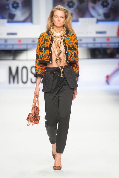 Показ Moschino на Неделе моды в Милане | галерея [4] фото [2]