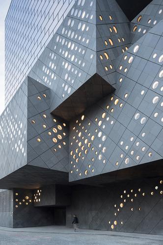 Новая штаб-квартира аукционного дома Guardian Art Center (фото 2)