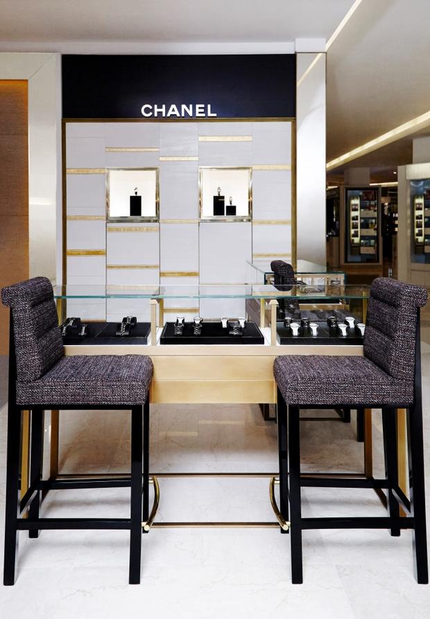 Chanel открыл первый часовой корнер в России