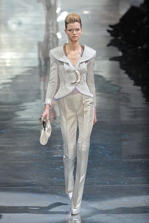 Показ Armani Prive коллекции сезона Весна-лето 2010 года Haute couture - www.elle.ru - Подиум - фото 138169