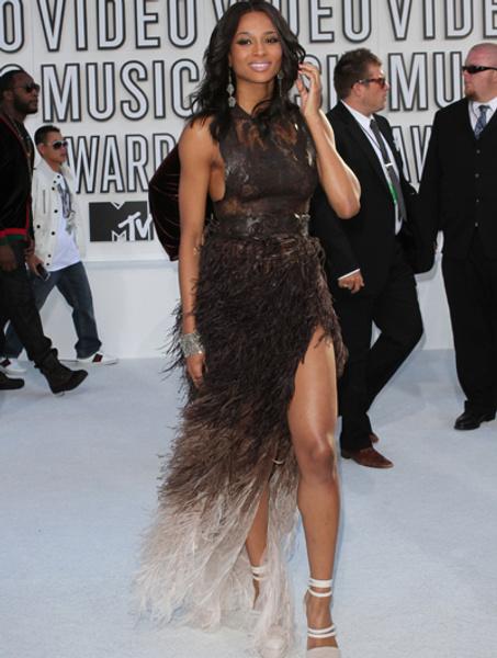 Сиара в платье Givenchy Couture на MTV VMA