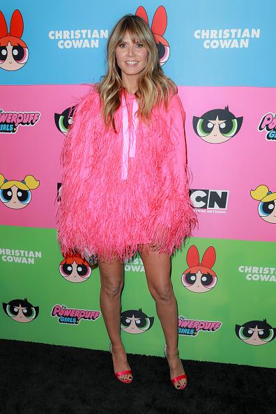 Розовый фламинго —  Хайди Клум и Пэрис Хилтон на показе Christian Cowan (фото 1)