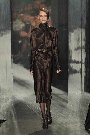 Показ Donna Karan коллекции сезона Осень-зима 2009-2010 года Prêt-à-porter - www.elle.ru - Подиум - фото 90113