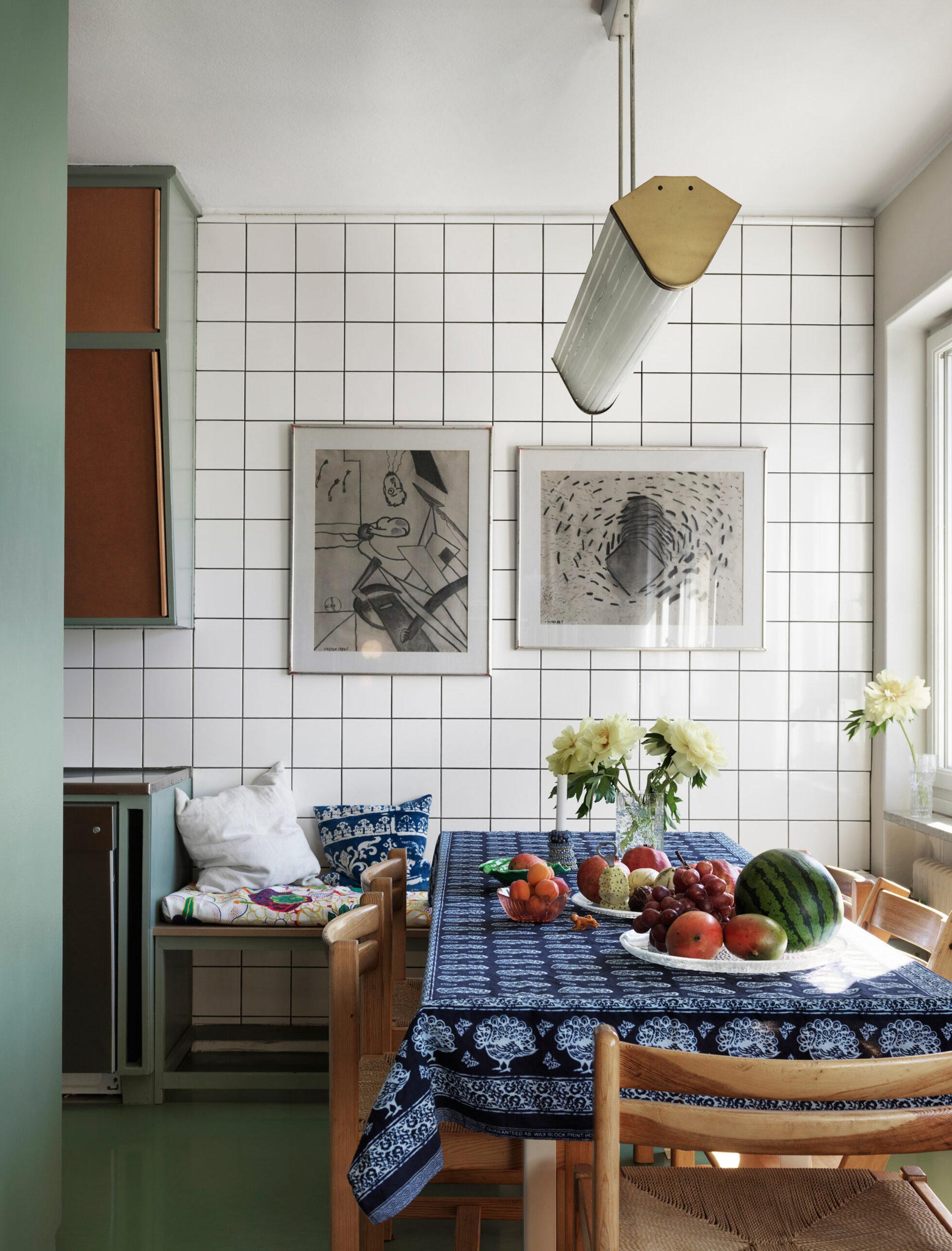 Квадратная белая плитка в интерьере: 20+ примеров (галерея 0, фото 5)