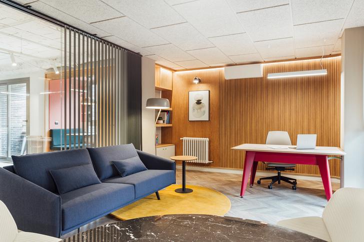 Мадридский офис в стиле mid-century modern (фото 10)