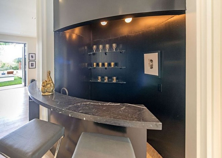 Новый особняк Синди Кроуфорд в Беверли-Хиллз фото [1]