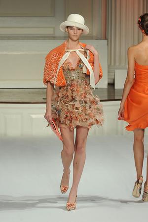 Показы мод Oscar de la Renta Весна-лето 2010 | Подиум на ELLE - Подиум - фото 3051