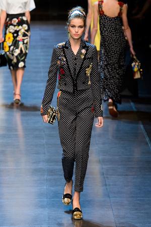 Показ Dolce & Gabbana коллекции сезона Весна-лето  2016 года prêt-à-porter - www.elle.ru - Подиум - фото 600499