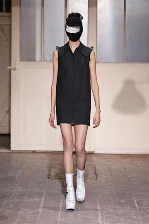 Показы мод Maison Martin Margiela Весна-лето 2013 | Подиум на ELLE - Подиум - фото 942