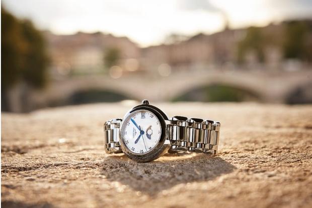 Longines запустили консьерж-службу, в которой можно получить консультацию и дистанционно купить часы (фото 3)