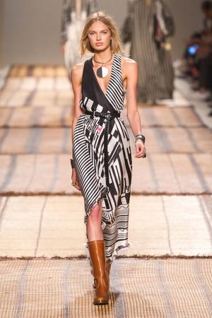 Показы мод Etro Весна-лето  2017 | Подиум на ELLE - Подиум - фото 4659
