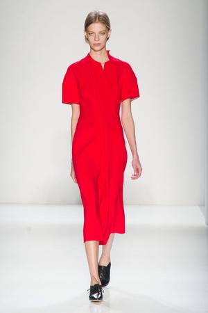Показы мод Victoria Beckham Осень-зима 2014-2015 | Подиум на ELLE - Подиум - фото 3830