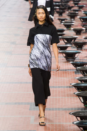 Показы мод Kenzo Весна-лето 2014 | Подиум на ELLE - Подиум - фото 3677