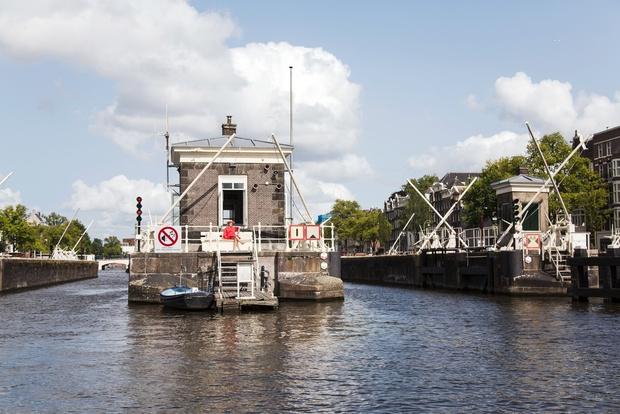Sweets Hotel: отель в домах смотрителей мостов в Амстердаме (фото 0)