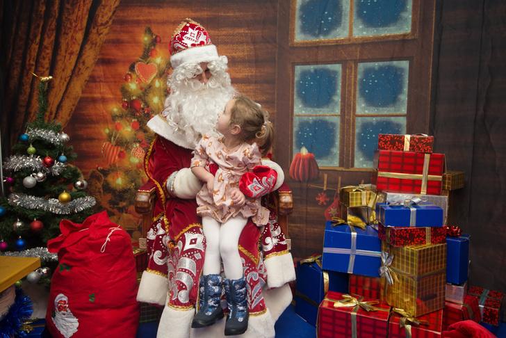 Дед Мороз и Снегурочка в магазинах Mothercare (фото 1)