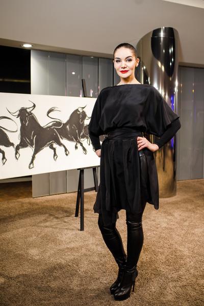 Выставка Инны Панасенко в салоне Mercedes-Benz (галерея 5, фото 4)