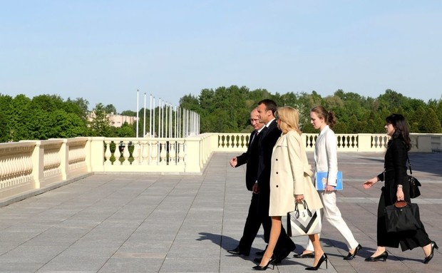 Эммануэль и Бриджит Макрон встретились с Владимиром Путиным (фото 2)