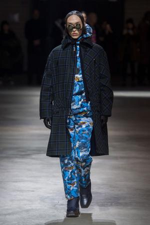 Показы мод Kenzo Осень-зима 2017-2018 | Подиум на ELLE - Подиум - фото 4773