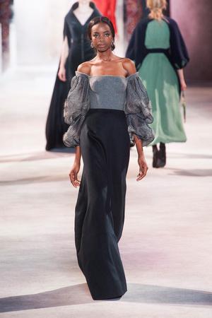 Показ Ulyana Sergeenko коллекции сезона Осень-зима 2013-2014 года Haute couture - www.elle.ru - Подиум - фото 556285
