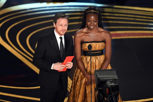 Общество красных конвертов: образы ведущих на «Оскаре-2019» (фото 6)