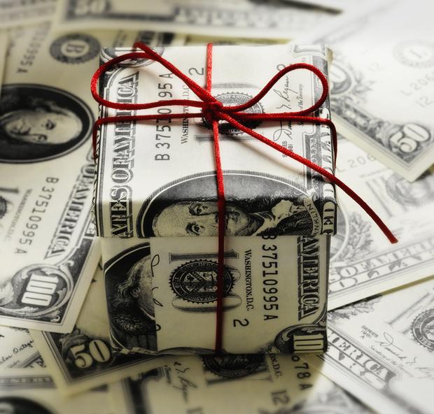 Оригинальные подарки на свадьбу молодоженам из денег / деньгами оригинально