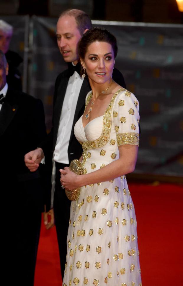 Платье для принцессы: Кейт Миддлтон в Alexander McQueen (фото 2)