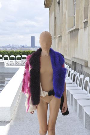 Показ Maison Martin Margiela коллекции сезона Осень-зима 2009-2010 года Haute couture - www.elle.ru - Подиум - фото 88122