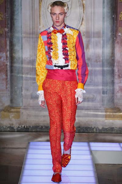 Во Флоренции прошел показ мужской коллекции Moschino | галерея [2] фото [1]