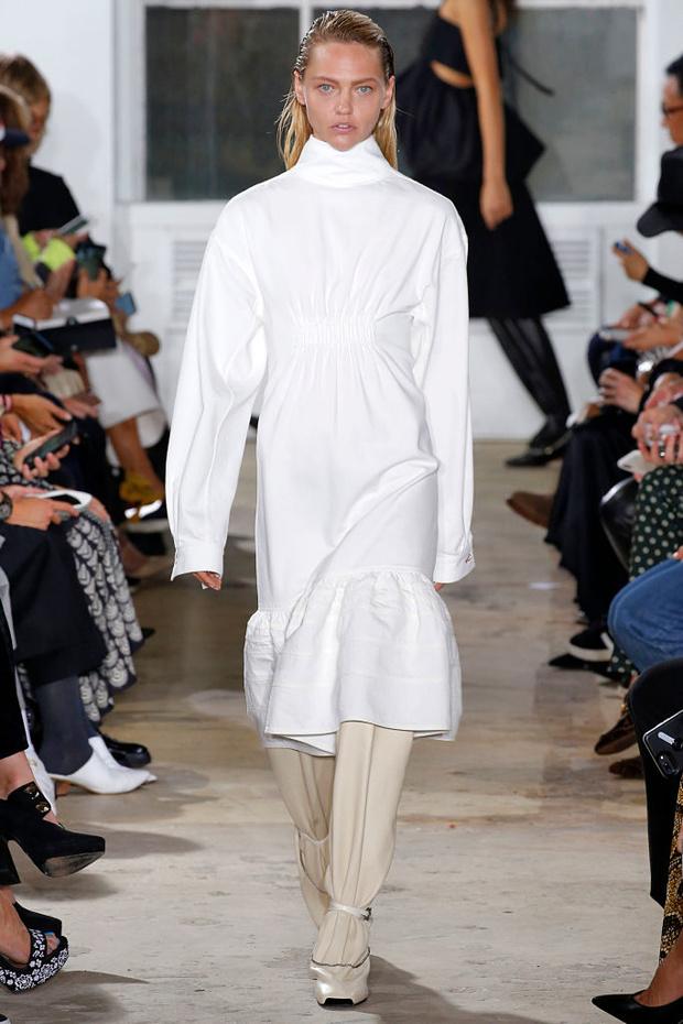Четыре показа Саши Пивоваровой на Неделе моды в Нью-Йорке (фото 4)