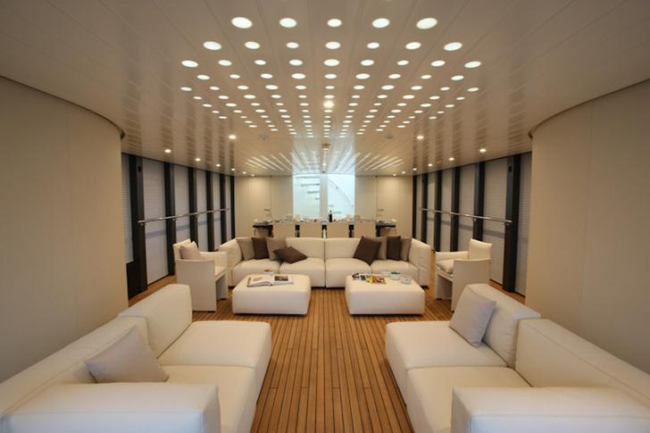 Яхта Ocean Emerald, дизайн Нормана Фостера