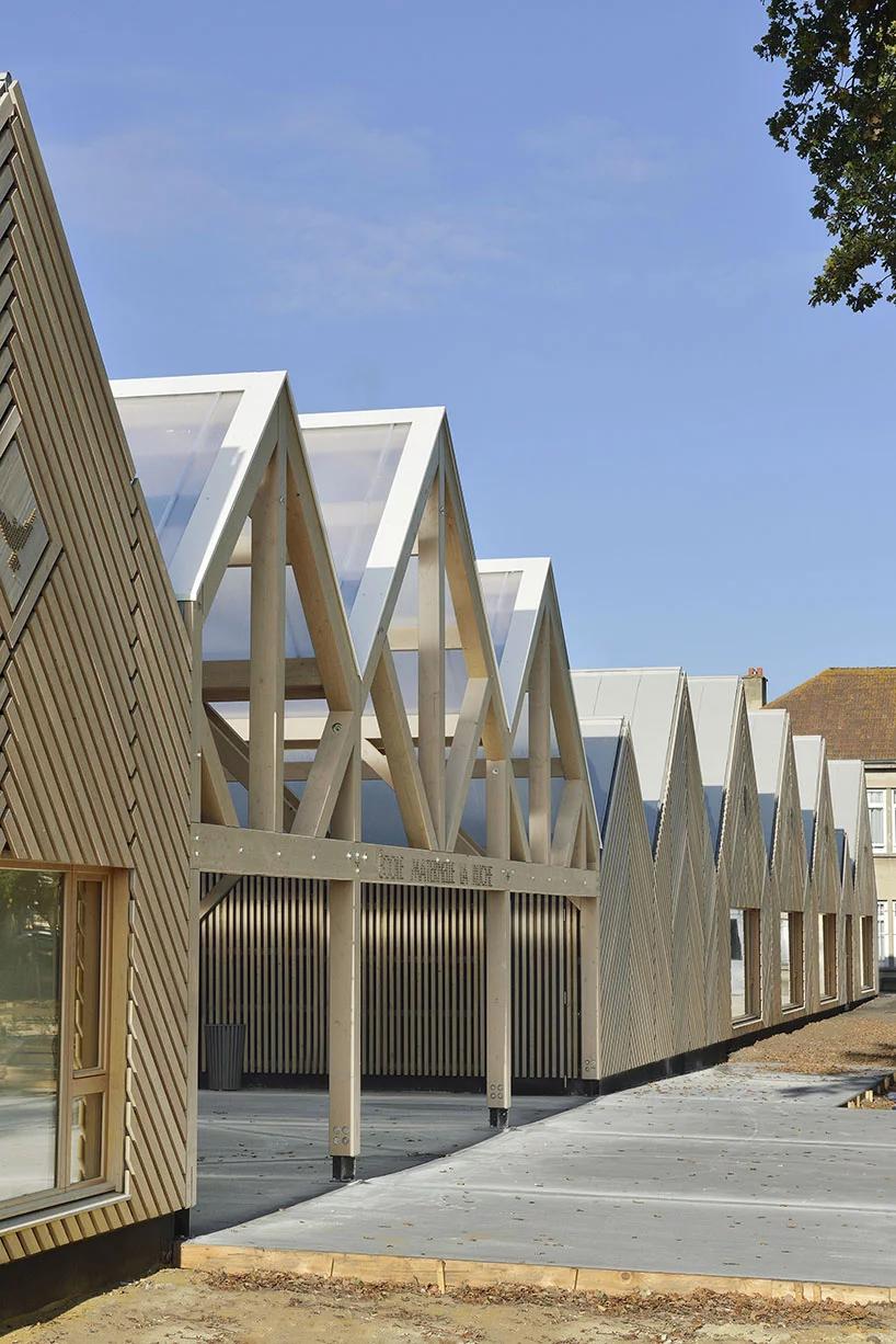 Деревянная школа на юге Франции от Tracks Architectes (галерея 7, фото 1)