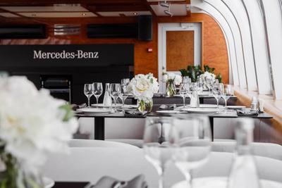 В московском отеле появился номер «Maybach Люкса» от Mercedes-Benz (галерея 2, фото 0)