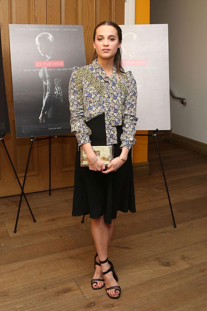 Новая посланница Louis Vuitton